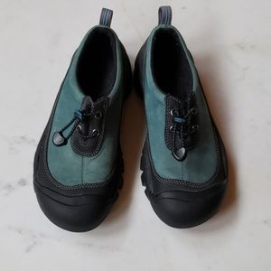 Keen blue-green and black shoes. Size 7